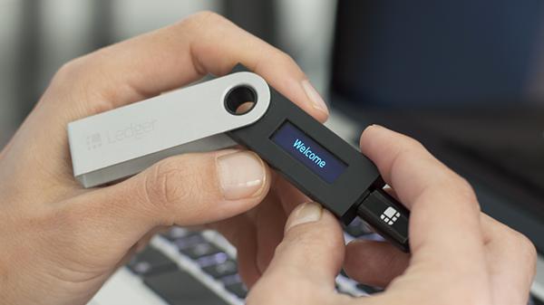 welcome کیف پول سخت افزاری لدجر نانو اس  Ledger Nano S اورجینال